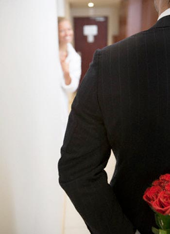 25 نصيحة تملكين بها قلب زوجك
