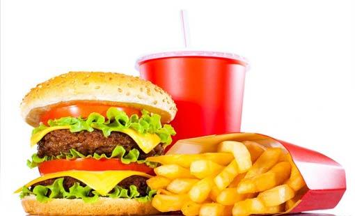 إعلانات الطعام تزيد من وزن المرأة!