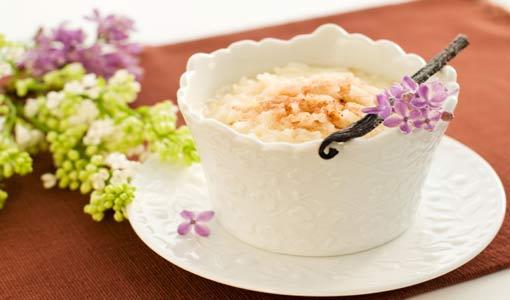 أرز بالحليب مع دبس التمر