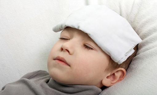 نصائح لخفض حرارة الطفل