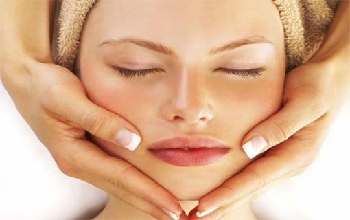 7 وسائل للحفاظ على بشرة مخملية