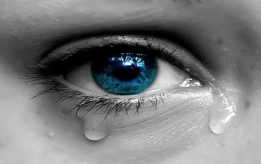 الدموع تحمي عينيك من الجفاف