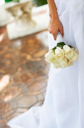 لماذا تبكي العروس في ليلة زفافها؟