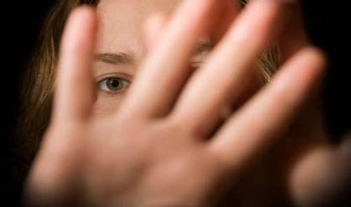 كيف نتعامل مع المرأة المعنفة؟