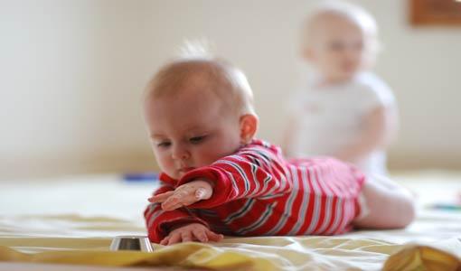 اختبري قدرات طفلك السمعية والكلامية