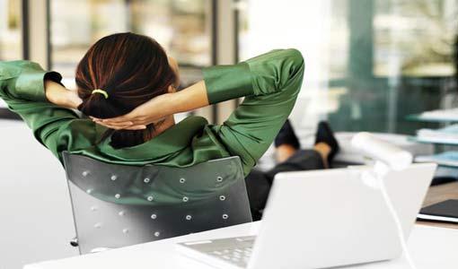 إرخاء العضلات يخلصكِ من ضغوط العمل