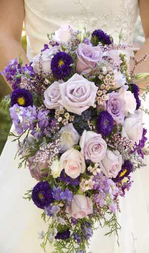 أتقني فنّ اختيار زهور حفل زفافك