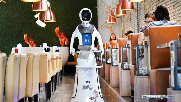 مطعم هولندي يتخطى أزمة كورونا.. بـ«روبوتات»