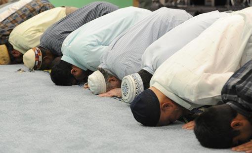 دور الصلاة في تحقيق السلام الروحي