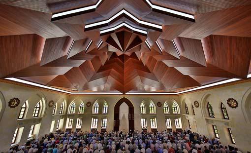 المساجد بيوت الطاعة والعبادة