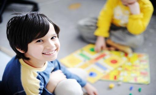دور أساسي للأهل في تنمية قدرات الطفل الفكرية