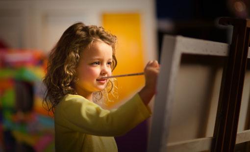 ماذا تقدم الفنون للطفل؟