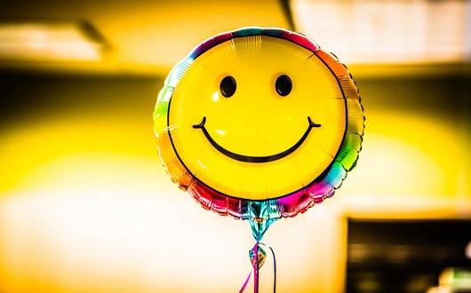 طُرُق بسيطة لتوليد السعادة في الظروف الصعبة