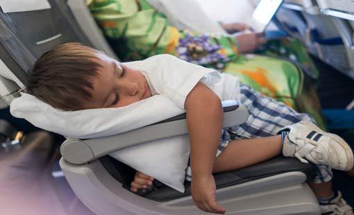 13 نصيحة لرحلة آمنة بصحبة الأطفال