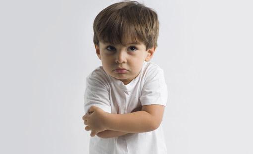أساليب والدية تزيد من عناد الطفل