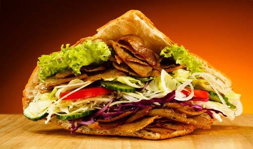 5 أسباب وراء الإفراط في الأكل
