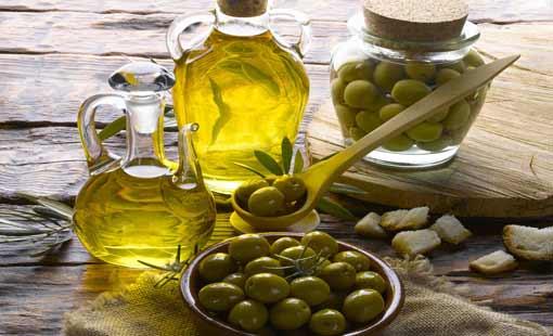 زيت الزيتون.. مزايا غذائية وطبية استثنائية