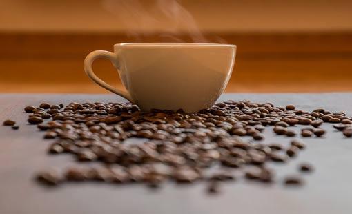 إتيكيت القهوة.. شربها وتقديمها
