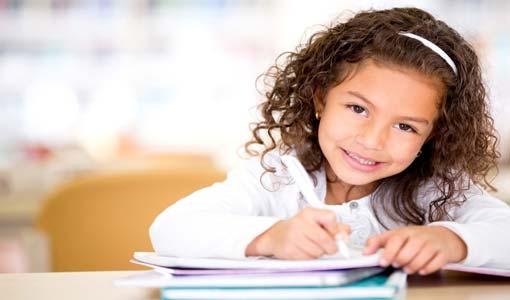 «الامتحانات الدراسية» تحدٍّ للأبناء والأُمهات معاً