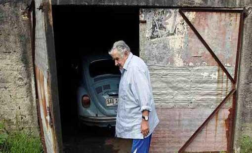 مليون دولار مقابل سيارة «أفقر الرؤساء»