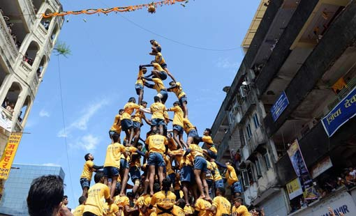 الهند.. الأهرامات البشرية تتحدى القانون