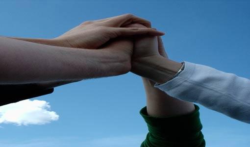 آفاق التواصل مع الآخر ومبادئه