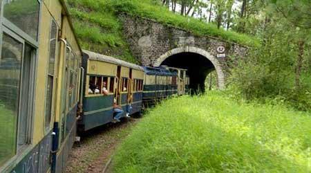بالصور.. أجمل رحلات بالقطار في الهند