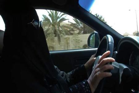 اعتقال كويتية قادت سيارة في السعودية