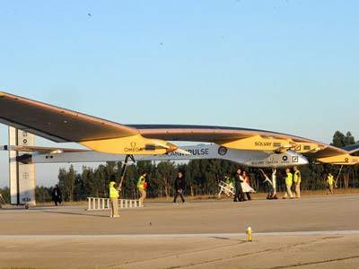 تجربة طائرة بالطاقة الشمسية