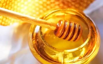 «العسل» نافع للبشرة أيضاً