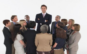 10 عادات سيئة تعوق نجاح علاقاتك الاجتماعية
