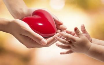 من أجمل العواطف تعليم الأطفال الحب
