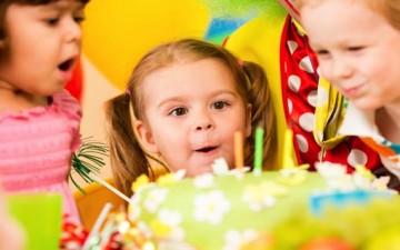 زيِّني حفل ميلاد طفلك بالسكاكر والحلويات