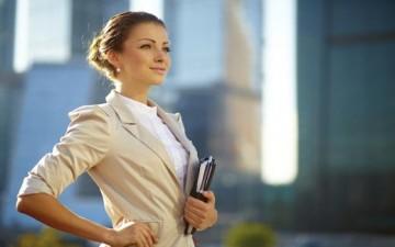 سرُّ نجاح المرأة استقلالُها نفسياً.. فكيف تحقّق ذلك؟