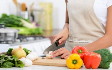 المطبخ سجن المرأة الطوعي في رمضان