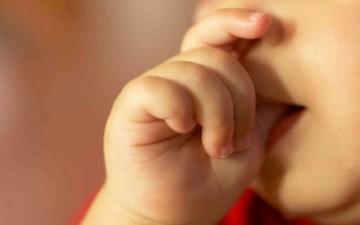 تغلبي على عادات طفلك المزعجة