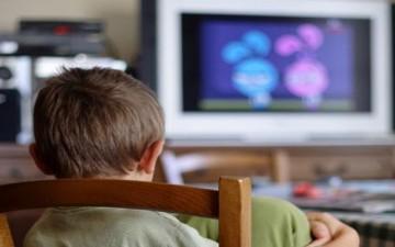 التلفاز في الصغر يؤدي إلى هشاشة العظام في الكبر