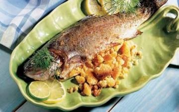 سمك بحشو البقسماط والبصل