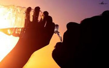 6 خرافات لقهر العطش في رمضان