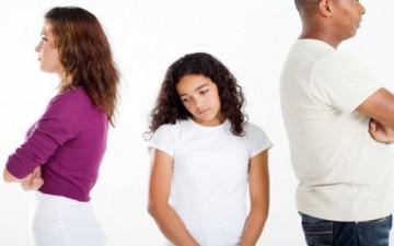 الحرمان العاطفي داخل الأسرة