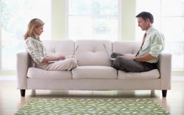 الصراع على العمل بين الزوجين