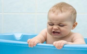 خوف الطفل من الماء.. أسبابه وطرق علاجه