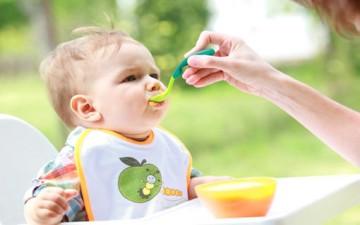لا تلحي على طفلك لتناول المزيد من الطعام