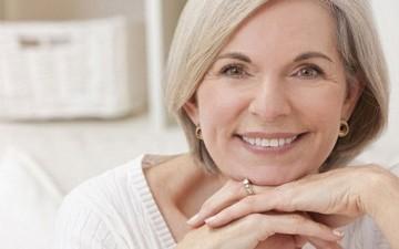 معاناة المرأة بعد سن الخمسين