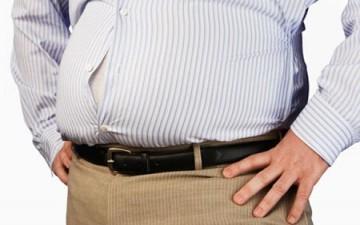 اللهو أثناء تناول الطعام سبب أساسي لزيادة الوزن