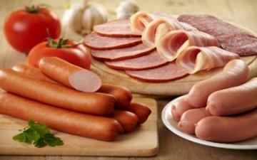 اللحوم المصنعة تسبب سرطان القولون والمستقيم