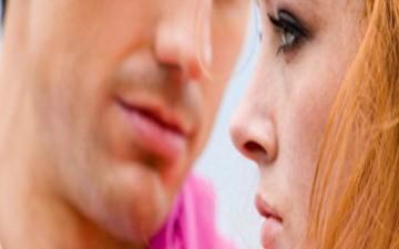 المرأة القوية والرجل الخجول