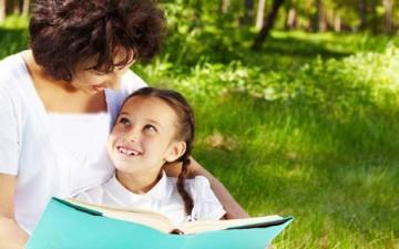 إبني يكره القراءة ويهرب من الدراسة! هل للأم دور؟
