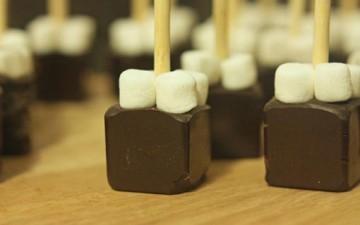 مكعبات الشوكولا بنكهة الفانيليا