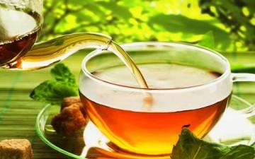 الشاي الأخضر.. سلاحكِ للتخلص من الدهون
